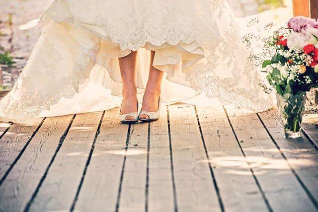 """Bibedi-babedi-boo!"" Blim* 😊 True life Cinderella ❤ #ido #weddinphotography #weddingideas #summerwedding #wedding #bride #cinderellamoment (photo: jussijeremiaphotography)"
