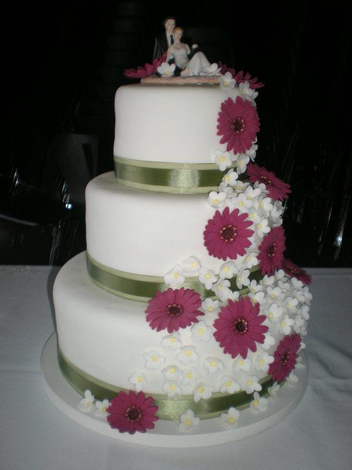 282 best images about deco on pinterest bride bouquets white flowers and b - Decoration mariage de reve ...