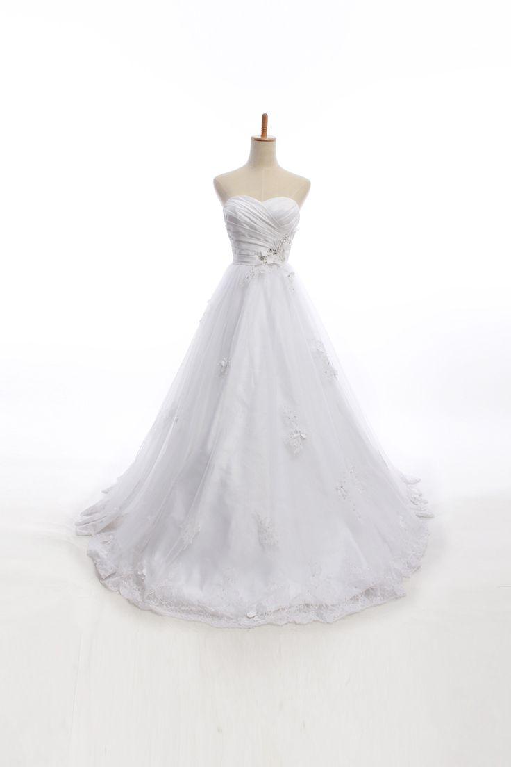 Elegant sweetheart ball gown wedding dress... Omg I'm in love!