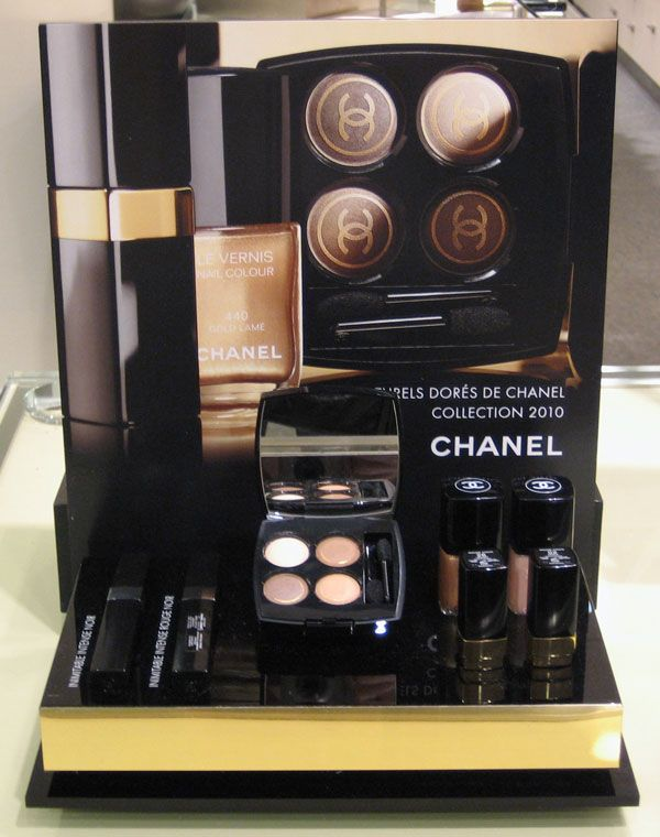 Chanel!!! You will be my next sets in my makeup list to get..