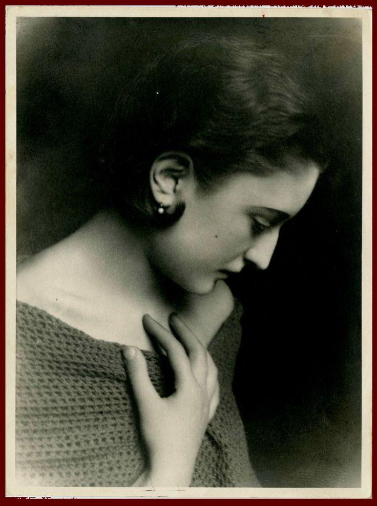 DONNA CON ORECCHINO-WOMAN WITH EARRING-FOTO RITRATTO D EPOCA/OLD PHOTO PORTRAIT