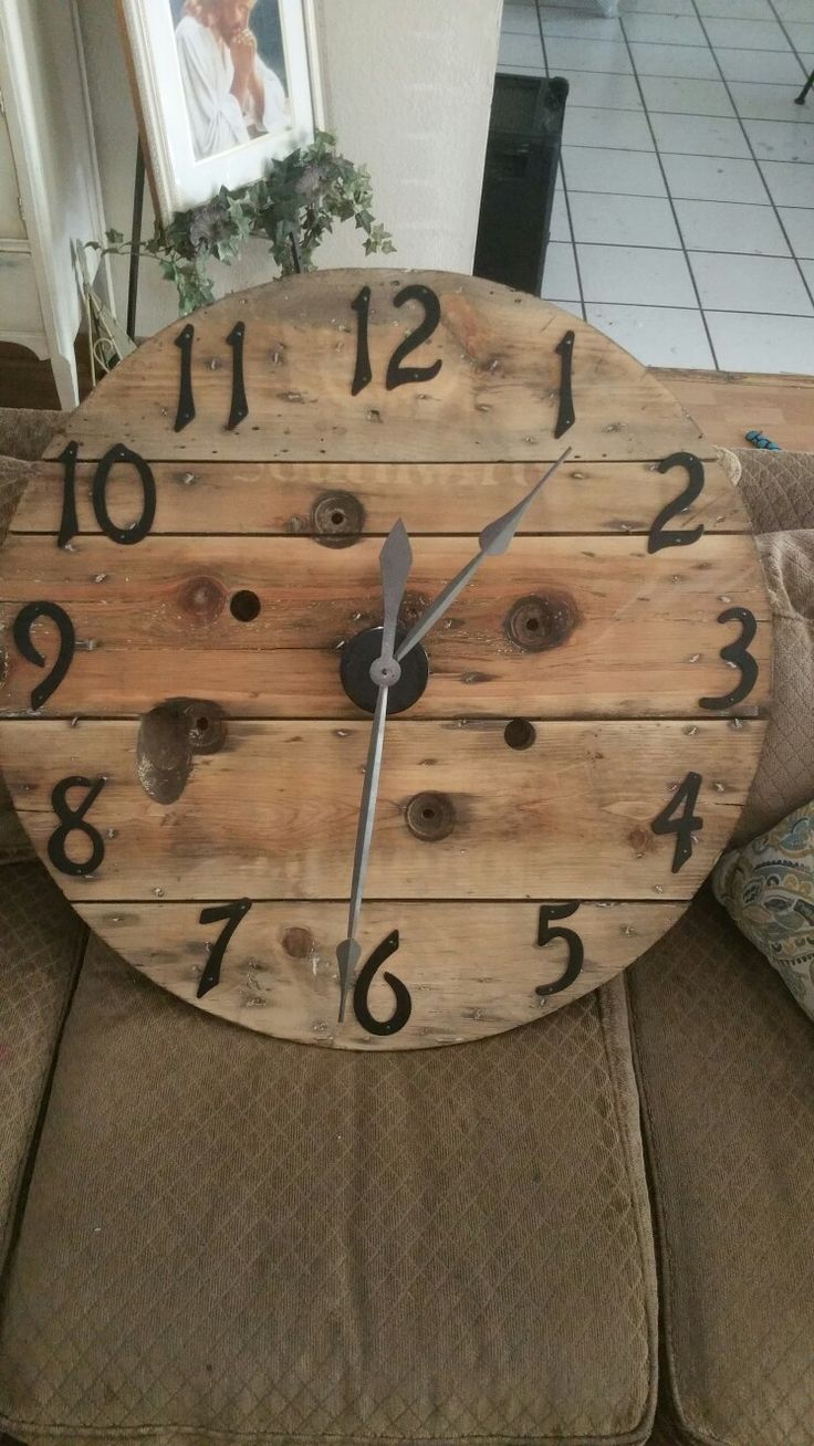 Spool Clock..it's finally done after sitting in the garage for a year! Now to hang it up