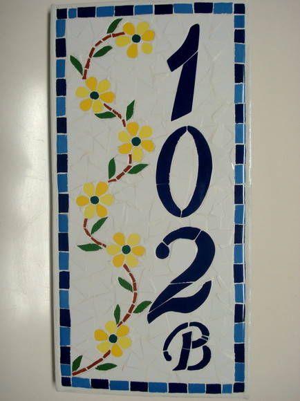 Número para residência em mosaico sobre cerâmica ou madeira. Efetuado na cor que desejar.  Consulte preços para outros tamanhos.  FRETE A CALCULAR R$ 150,00