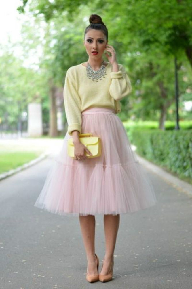 https://i.pinimg.com/736x/42/49/6b/42496b3be82408c444cbdecd500de389--tulle-skirts-long-skirts.jpg