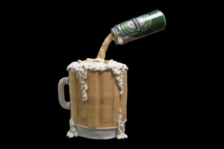 Beer mug. Pinte de bière.