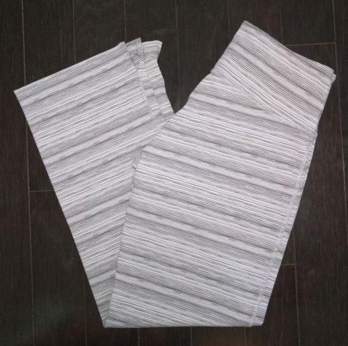 Lululemon Wunder Under Grey White Stripes Crop Pants Size 6 EUC