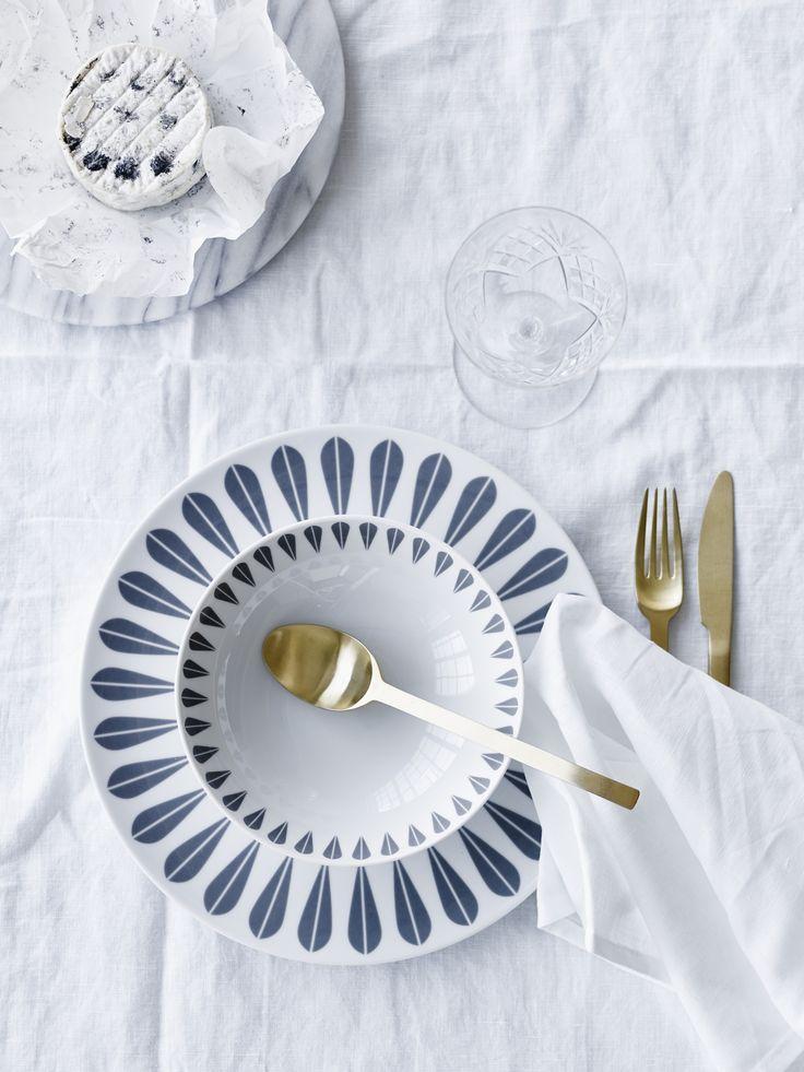 Arne Clausen Lotus Tableware  /  Lucie Kaas