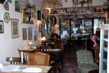 Trödelcafé in Köln (Alles im Café kann man auch kaufen)