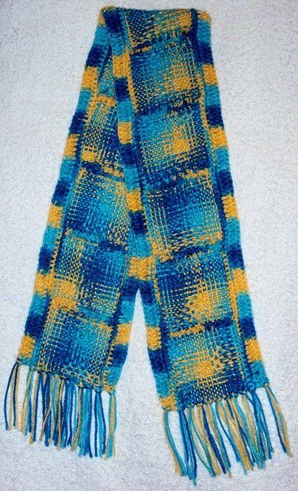 $40.000 COP Bufanda en lana tejida en telar bastidor