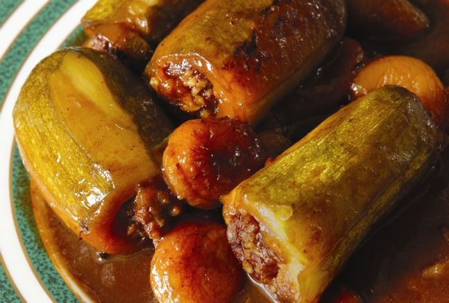 Mehshi Kusa — Squash Stuffed with Ground Meat and Rice / Calabacines Rellenos de Arroz y Carne Molida