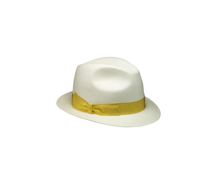 Panama fine ala piccola. Product code: 232042 Shop it here: http://shop.borsalino.com/en/womans-collection/spring-summer/straw-hats/cappelli-in-paglia