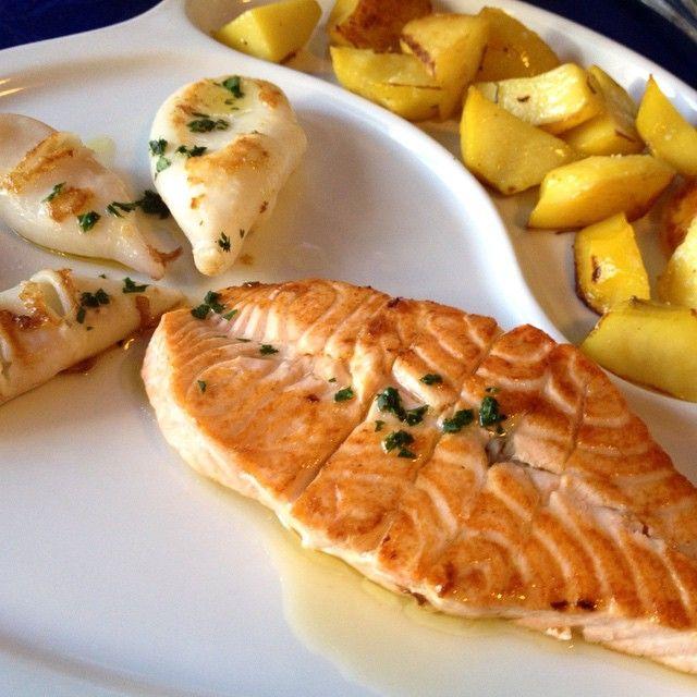#salmone ai ferri con #calamari  #pescefresco#pesce#alpesciolino#milano#healtyfood#food#cibo#fish#instafood#milan#salmon