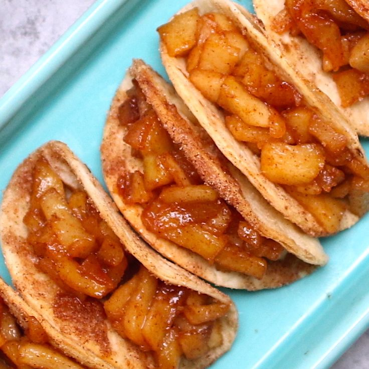 Super Easy Baked Apple Pie Tacos – delicious cinnamon sugary apple filling in a crispy and sweet taco, drizzled with caramel sauce, and then topped… | essen und trinken | Pinterest | Easy baked apples, Cinnamon sugar apples and Apple filling