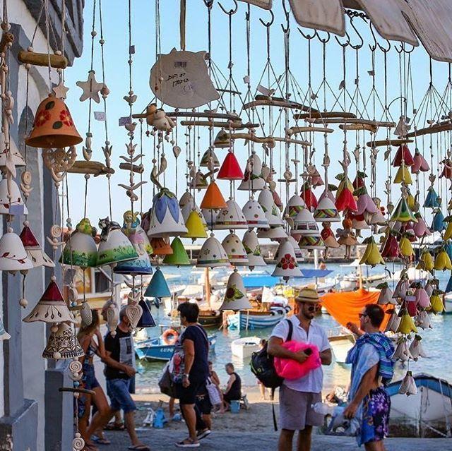 📍 Capri, una vista un po' diversa 🔔 💎 Tagga un amico che ama questi posti 📸 Photo: @pinaromano 💰 35€ AIRBNB GRATIS: link bio 💰 ➖➖➖➖➖➖➖➖➖➖➖➖➖➖➖➖➖🙏🏽 Follow Us @campania_lovers 🛵 👉Tag your photos #campanialovers 🏅 Send us your photos! 💥 Facebook: Campania Lovers ➖➖➖➖➖➖➖➖➖➖➖➖➖➖➖➖➖ #campanialovers #capri #marinagrsnde #island #sky #vista #campania #paesaggi #mare #sea #italia #ig_napoli #top_italia_photo #igersnapoli #igerscampania…