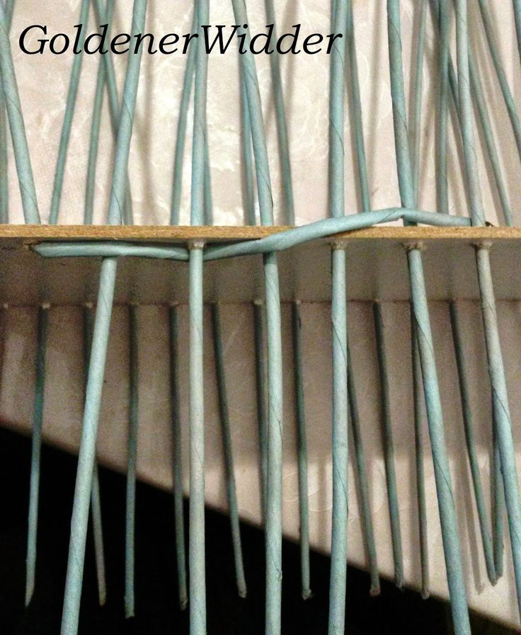 Плетение из газетных трубочек: Первый способ оплетания фанерного дна, через край. Фанера.