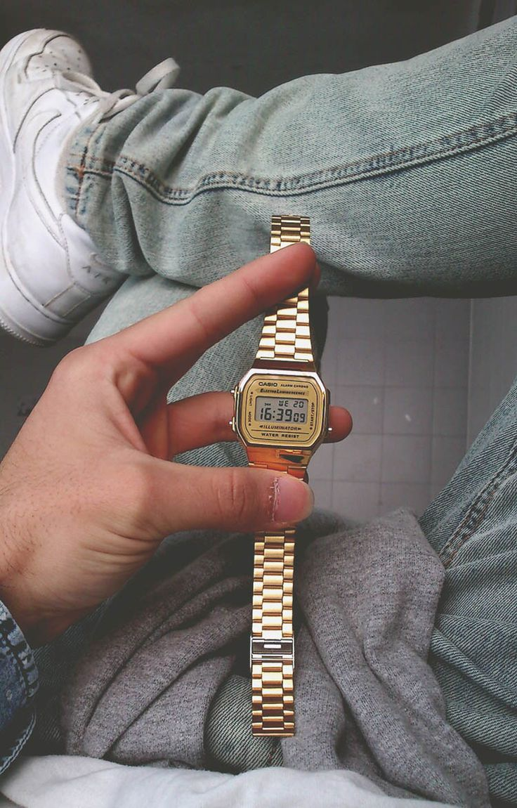 // Gold Casio