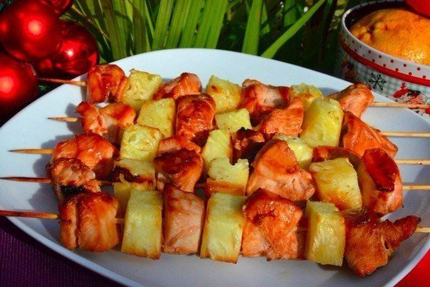 Skewers of chicken with pineapple #recipes #cooking #food #skewers #chicken #pineapple