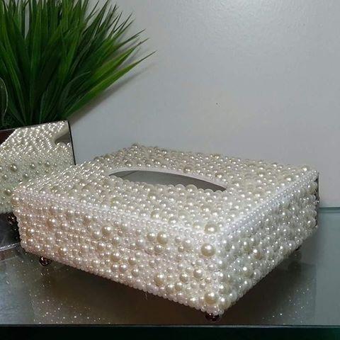 Krabička na kapesníky • zdobená perličkami                                                                                                                                                                                 Mais