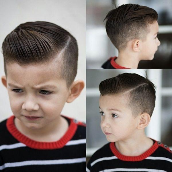 O corte de cabelo masculino infantil que é moda em 2015 éo Razor Part. Inspirado no mundo dos adultos, esse estiloadaptou-se bem aos meninos: ele é vintage e ao mesmo tempo moderno.…