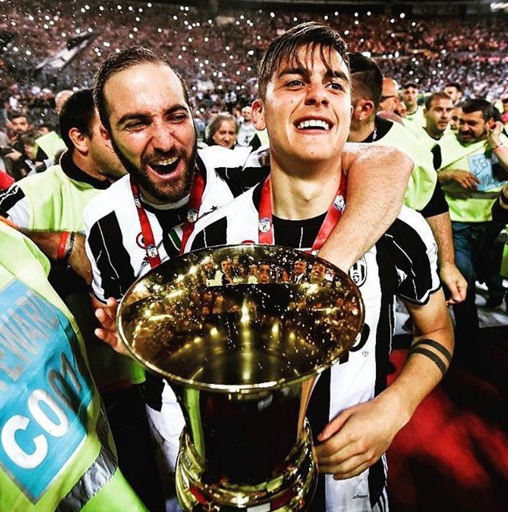 Vittoria Coppa Italia 2017. HIGUAIN DYBALA