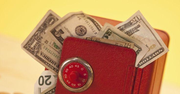 Como proteger seu patrimônio líquido da hiperinflação e da deflação. A manutenção da riqueza pode ser tão importante quanto a sua criação, especialmente quando a economia não vai bem. Quando a oferta de dinheiro está fora de controle, porque grande parte dele está perseguindo poucos bens, quando a confiança de caixa é quebrada, como nos tempos de hiperinflação, ou quando os preços caem durante a deflação por causa ...