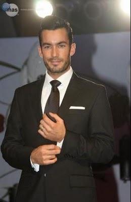 Aaron Diaz . handsome fella
