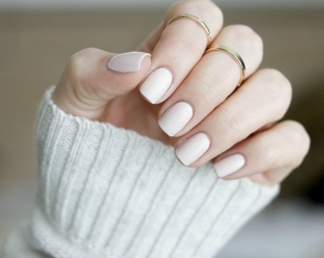 Essie Cashmere Matte-Wrap Me Up