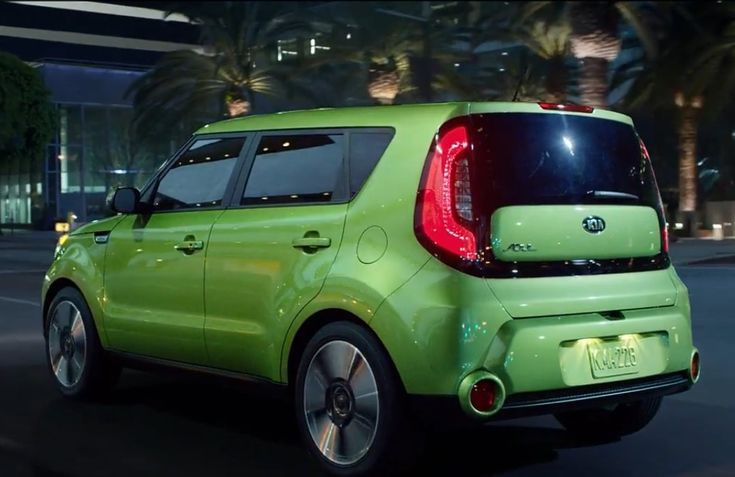 2014 kia soul painted in acid green alien 2 purple and lime green pinterest green. Black Bedroom Furniture Sets. Home Design Ideas