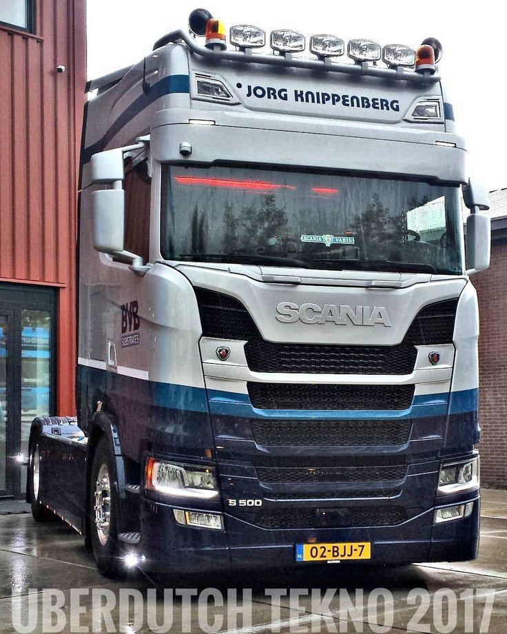 TEKNO 2017#holland#netherlands#truck#trucks#v8#truckporn#wheels#likes#follow#followme#photooftheday#picoftheday#followiflike#trucklove#vrachtwagen#chauffeur#stiholt#waalhaven#rotterdam#mooispul#goinstyle#goingstyle#scania#daf#volvo#man#trucker#sweden#art#style