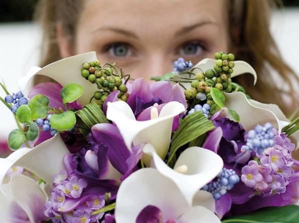 brautstrauss lila wei gr n hochzeit pinterest brautstr u e lila und gr n. Black Bedroom Furniture Sets. Home Design Ideas