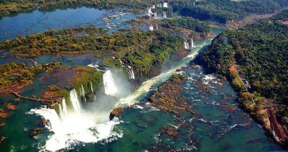 Pacote promocional barato para Foz do Iguaçu passagem aerea hospedagem