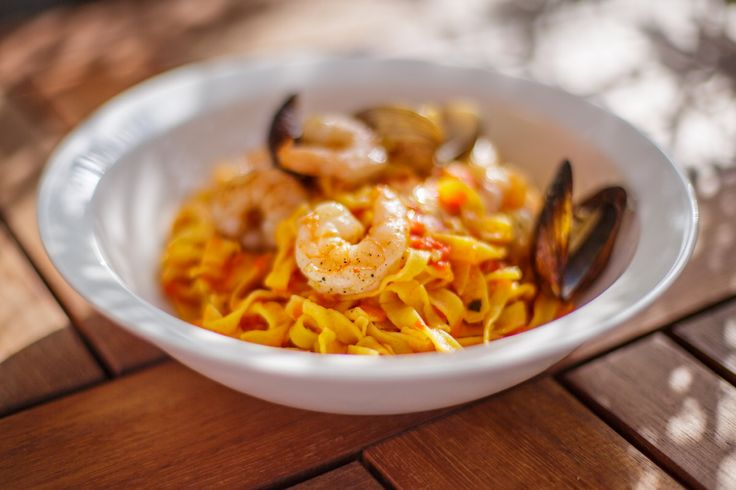 Seafood Tagliatelle /w jumbo shrimp and scallops @ Kraz Cafe