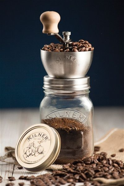 - A classic coffee grinder complete with Kilner jar and airtight lid - Grind enough for one cup or the whole week - A great gift for anyone who loves fresh coffee Grind your coffee beans through the s