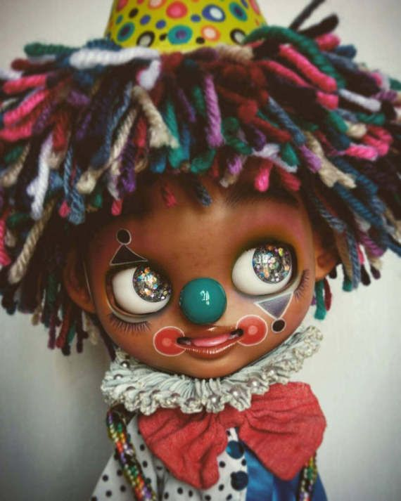 Guarda questo articolo nel mio negozio Etsy https://www.etsy.com/it/listing/516644155/kuku-the-circus-clown-a-ooak-customed