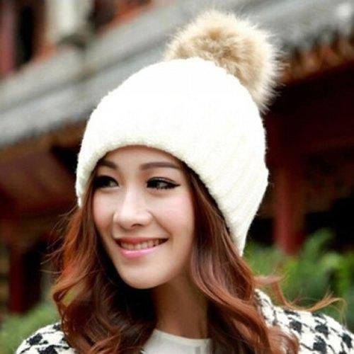Hot Sale Fuzzy Ball Design Knitted Winter Hat For Women