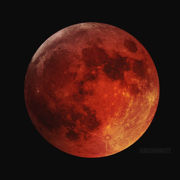 Blood Moon picture taken on April 14, 2014, in Chicago