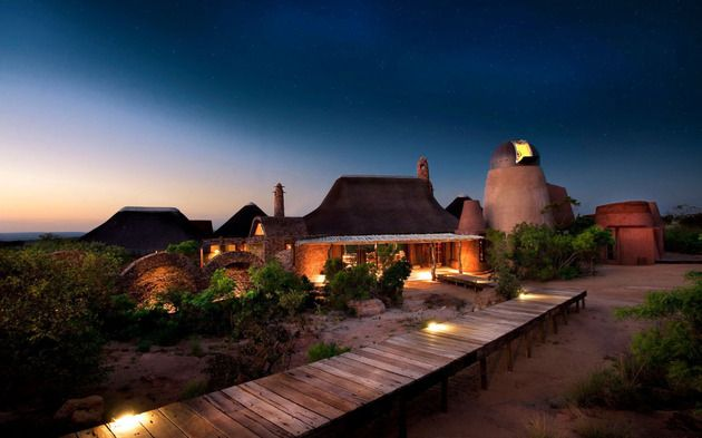 south-african-villa-with-cave-like-interiors-and-observatory-1.jpg