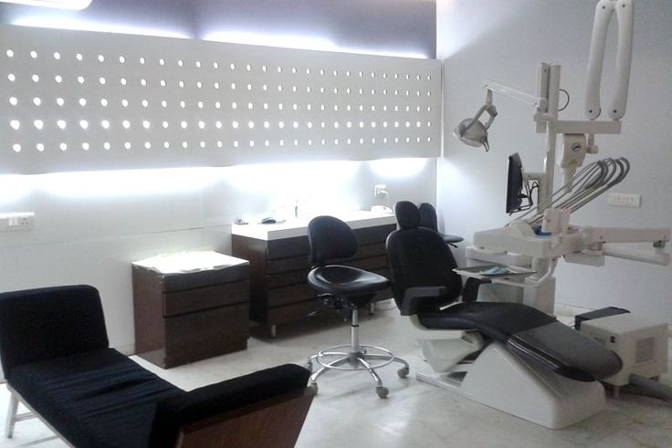 Meet with the best dentist in South Delhi for dental care like root canal treatment, Dental Implants,  Crowns and bridges etc. http://thedentalroots.com/dental-clinic-in-south-delhi/