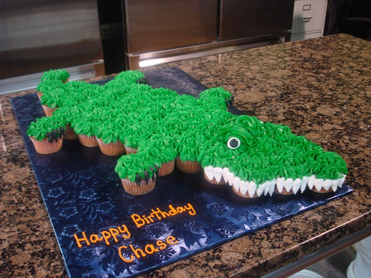 Icing on the Cake:Alligator Cupcake Cake