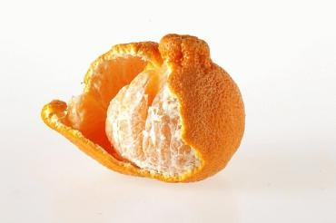 A new, extra-large citrus variety, the Sumo mandarin, has a distinctive top knot and weighs in at about 10 ounces each
