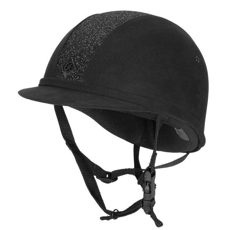 De #Charles #Owen #YR8 is een #chique #veiligheidshelm. De #helm heeft in het midden een #glitterpaneel. Het kinkoord is verstelbaar. #glitter #shine #sparkle #black #zwart #equestrian #ruitersport #ruiter #cap #horse #paard #divoza #horseworld