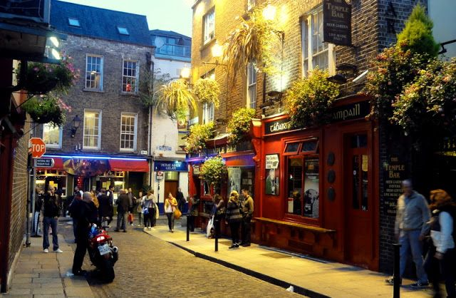 Travel & Lifestyle Diaries: Temple Bar, Dublin