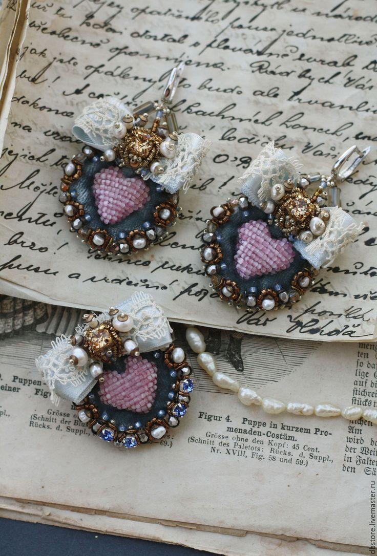 Купить Брошь с сердцем - голубой, брошь, вышивка ручная, авторская ручная работа, сердце