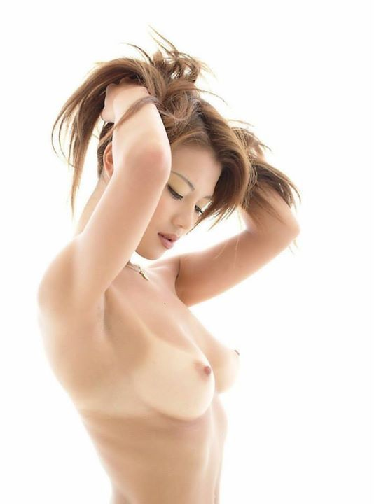 hot-nude-korean-girls-tan-lines