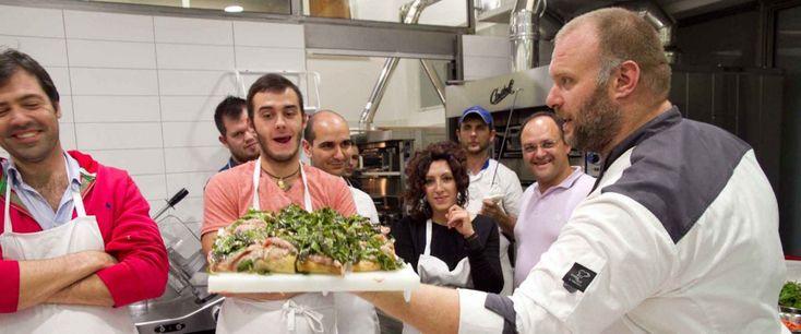 Gabriele Bonci è tornato con i nuovi corsi di pizza amatoriale a Roma. Nuovi corsi e nuova sede (Alice Pizza in zona Gregorio VII – Città del Vaticano) per un  >>