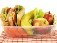 ¿Sabes cómo alimentarte sanamente en el trabajo? Lee el artículo completo en www.achs.cl #safety #prevencion