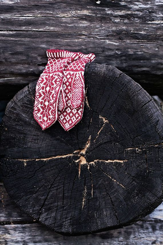 Fair Isle mittens hand knit red and white mittens / by MaruWool, €32.00