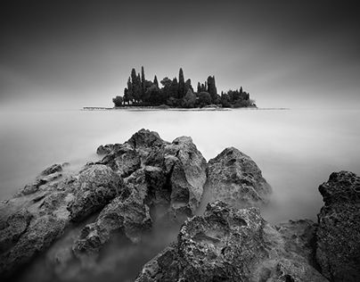 "Check out new work on my @Behance portfolio: ""Mysterious Lake Garda"" http://be.net/gallery/31254291/Mysterious-Lake-Garda"