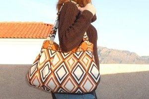 Roomy, pleated bag