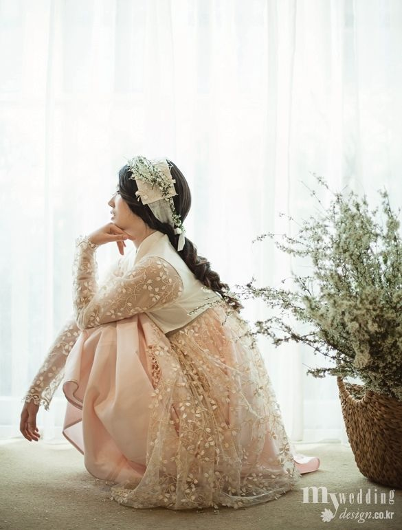 Love the sleeves, the sheer, and how she has a work of art in her hair.   MYWEDDING 모시로 지은 한복 여름 향기